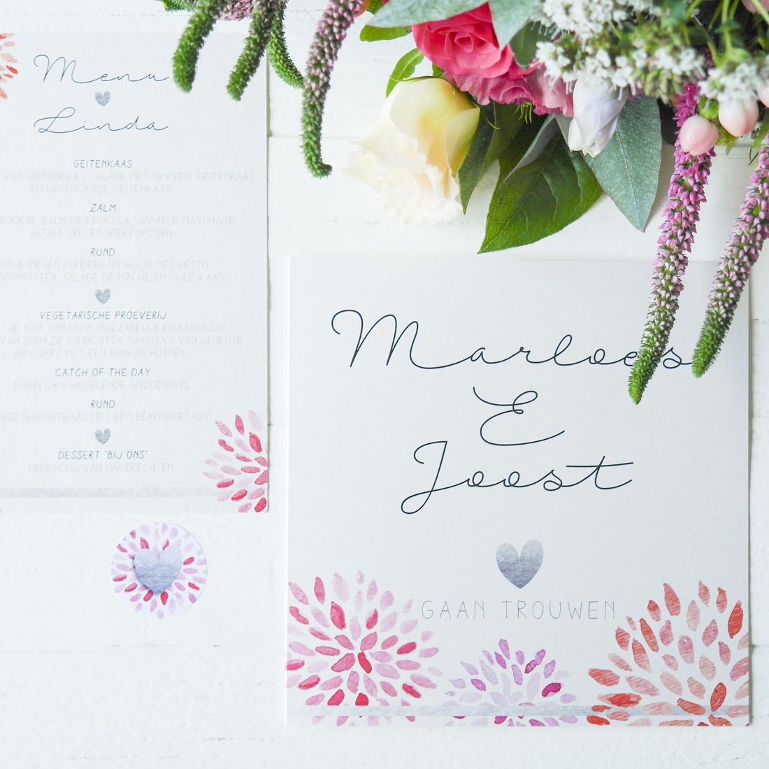 Blitz Ontwerpt Trouwkaart zilver bloemen Marloes Joost
