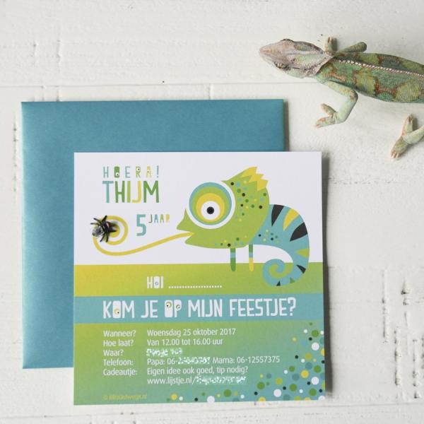 Uitnodiging Kameleon blauw kinderfeest_Blitz Ontwerpt